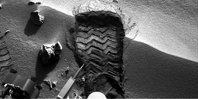 Scuff mark where Curiousity rover is testing its soil tools