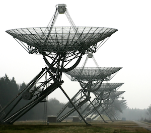 Radio telescope array